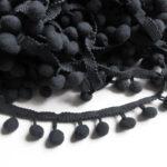 crni pom pom (1)
